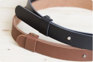 Minimal leather belts